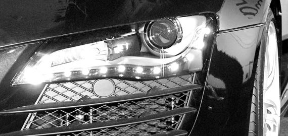 Audi R8 bal első lámpája